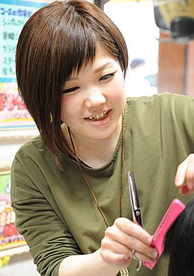 ビューティ・ヌーン-スタッフ-渥美希依2